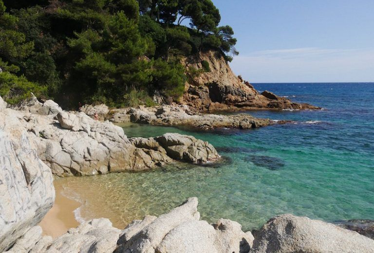 Top hidden beaches near Barcelona