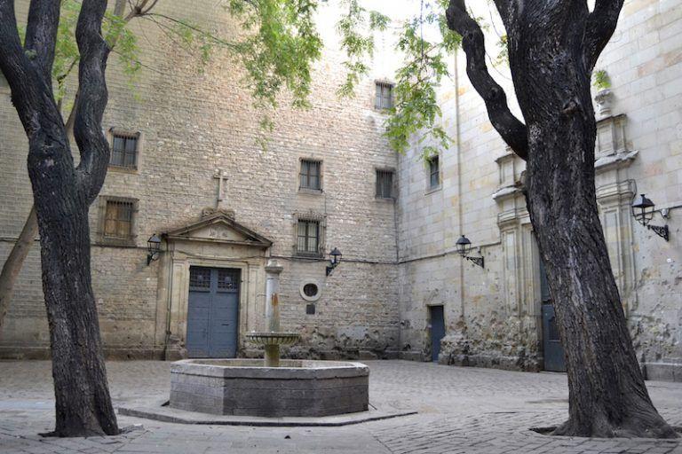 Hidden Squares in Barcelona